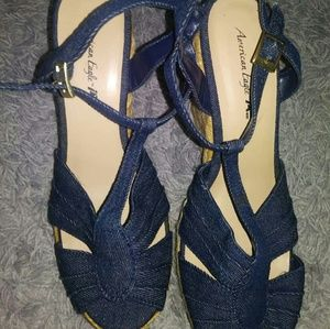 New American eagle wedge sandals size 9